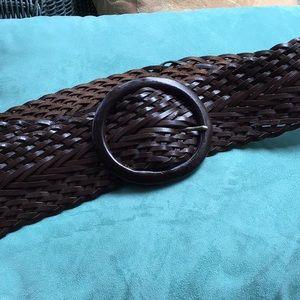 Gorgeous dark brown wise leather belt